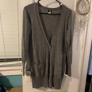 H&M gray sweater size small cardigan